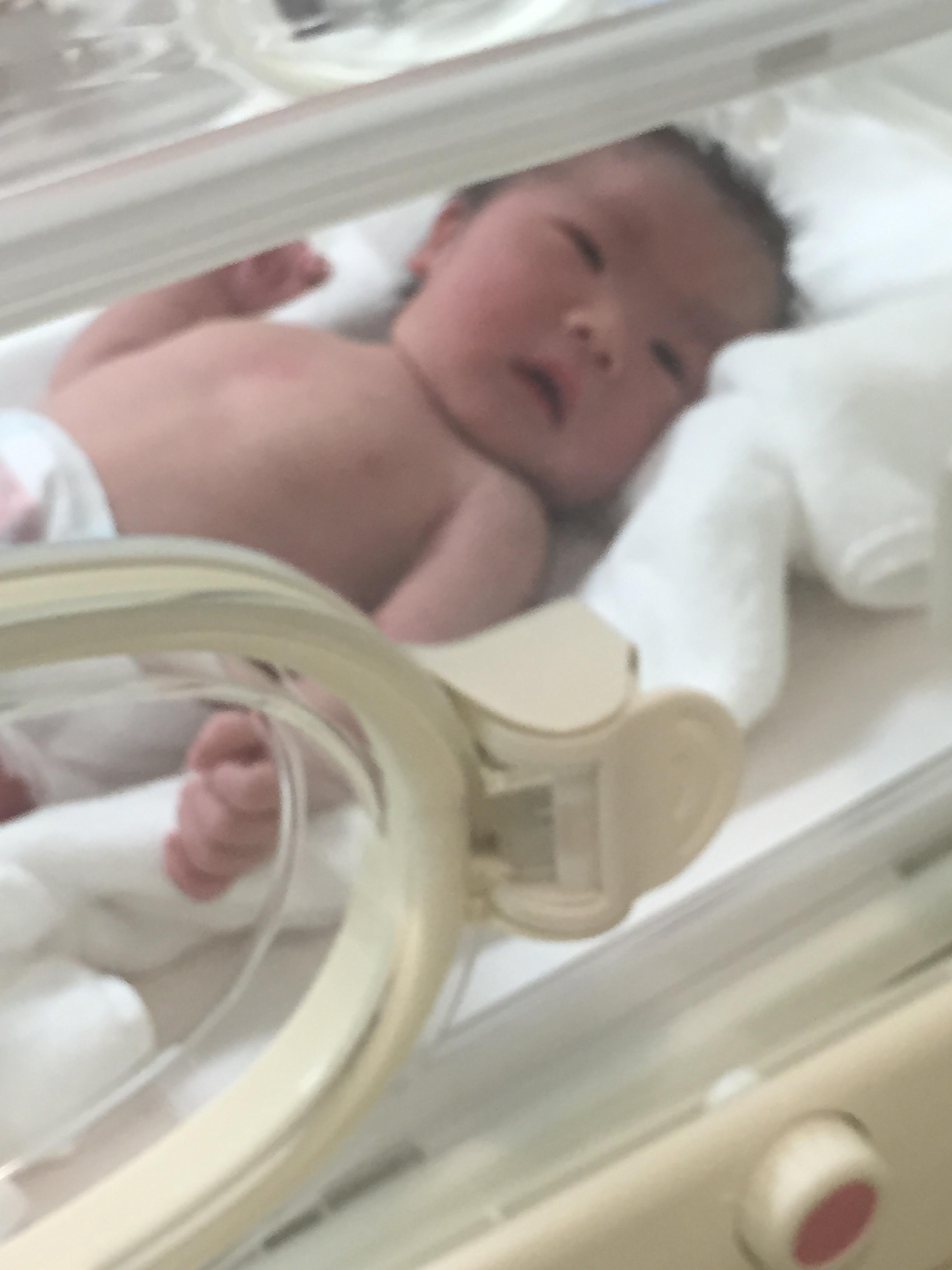 初めての子供生まれました ^ ^